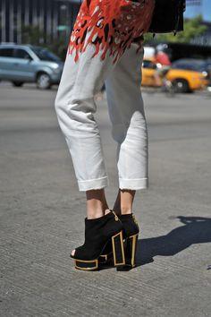 New York Fashion Week  #StreetStyle #Fashion #NYFW #NewYorkFashionWeek #Shoes