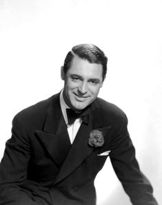 Cary Grant why cant men be this classy anymore ; Old Movie Stars, Classic Movie Stars, Classic Films, Hollywood Star, Golden Age Of Hollywood, Classic Hollywood, Photographs Of People, Cary Grant, Joan Crawford