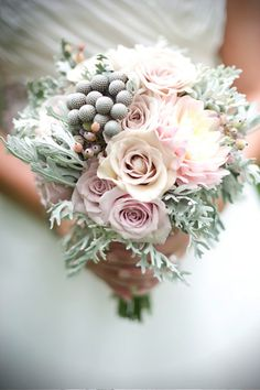 So soft and romantic. Perfect winter bouquet!
