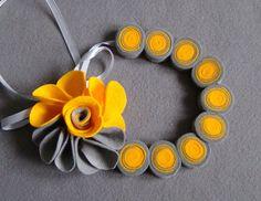 Espiral collar y broche Kanzashi de Ifffka por DaWanda.com