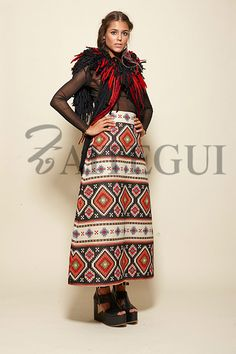 Falda larga evasé negra y crudo con estampado étnico - 250,00€ : Zaitegui - Moda y ropa de marca para señora en Encartaciones