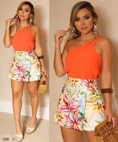A imagem pode conter: 2 pessoas, pessoas em pé Summer Outfits, Casual Outfits, Cute Outfits, Short Mini Dress, Short Dresses, Fiesta Outfit, Look Fashion, Womens Fashion, Girls In Mini Skirts