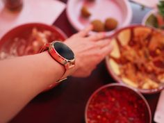 On The Blog: 5 Ways to use your smartwatch while traveling internationally