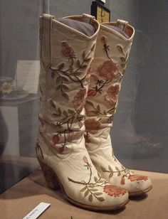 """Before these designer boots became the """"gotta have"""" icon on so many womens feet. - Emmylou Harris Boots at the Sparkle & Twang Exhibition at the TN State Museum, Nashville. Vintage Cowgirl, Cowboy And Cowgirl, Cowboy Hats, Western Wear, Western Boots, Boot Scootin Boogie, Womens Cowgirl Boots, Kentucky, Into The West"""