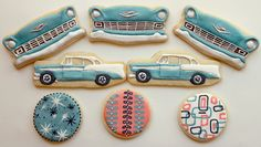 Photos of Arty McGoo's beautifully designed cookie sets. Amazing to see and unbelieveable to some, these are painted edible cookies that are carefully constructed works of art. Car Cookies, Edible Cookies, Fancy Cookies, Vintage Cookies, Cut Out Cookies, Royal Icing Cookies, Holiday Cookies, Cupcake Cookies, Cupcakes