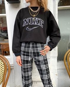Teen Fashion Outfits, Retro Outfits, Fall Outfits, Vintage Outfits, Preteen Fashion, Teenage Outfits, Fashion Fashion, Cute Comfy Outfits, Stylish Outfits