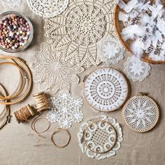 These affordable dreamcatchers are the hottest DIY trending happening right now. Making some of these with my mother's doilies. Easy Diy Crafts, Creative Crafts, Crafts For Kids, Arts And Crafts, Dreamcatchers, Diy Projects To Try, Craft Projects, Doily Dream Catchers, Doilies Crafts