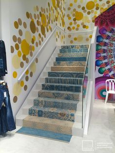 Desigual shop at Zona Rosa, Bogota, Colombia finished its floors with Microcement Edfan Blanco niebla. The design was done by Arcadia. 170 + 2 stairs were covered with microcement Edfan by Mibuti with José Galer. Colorful Interior Design, Colorful Interiors, Stairs, Flooring, Projects, Image, Home Decor, Shop, Pink