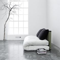 Love these simple futon beds and sofas - Stil Inspiration