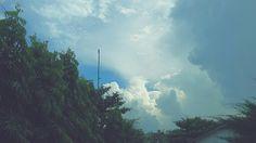 Happy weekend  #sunnyday #cloudy #thesky #bluesky