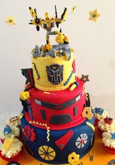 Transformer birthday cake Cupcake Birthday Cake, Cool Birthday Cakes, Cupcake Cakes, Birthday Ideas, 5th Birthday, Happy Birthday, Bumble Bee Transformer Cake, Transformer Birthday, Jake Cake
