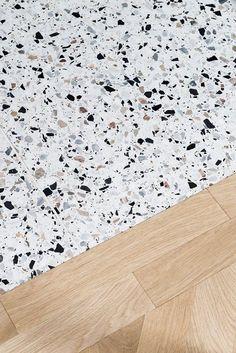terazzo floor Attico Alla Ca Brutta - Picture gall - flooring Bathroom Interior Design, Interior Decorating, Terrazo Flooring, Roman Clock, Metal Clock, Floor Patterns, Pent House, Floor Design, Kitchen Flooring