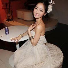 strapless dress -  http://zzkko.com/book/shopping?note=23103 $8.17
