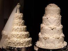 Bolo de casamento em camadas flores todo branco