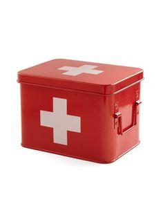 Super cute First Aid Box LIKE and REPIN :) I love it!