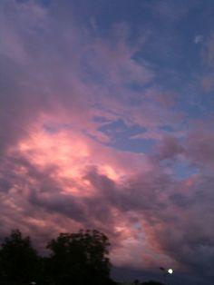 Dis Sky Is Beautiful