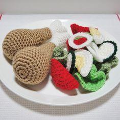 Dinner! 17 piece crochet play food set - chicken drumsticks and salad - by minimehandcraft on madeit