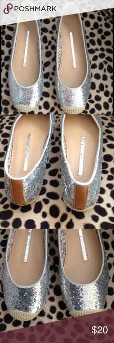 New Directions Silver Glitter Ballet Flats Sz 8 New Directions Silver Ballet Flats size 8 new directions Shoes Flats & Loafers