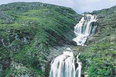 A Serra do Cipó, um dos conjuntos naturais mais exuberantes do mundo, é atualmente uma das principais províncias turísticas de Minas Gerais -Brasil.