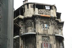Vlora Han, on Büyük Postane Sokagı, Sirkeci, Istanbul. Art Nouveau architecture