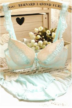 Design to support & shape. Flowery lace at bra & panty.  Adjustable bra straps. Removable push up inserts.  Sizes : 32B, 34B, 36B, 38B  Bra cup sizes A suitable for A/B.  Bra cup sizes B suitable for B/C.   Please measure accurately before purchase. Actual items' colour may be slightly dif...