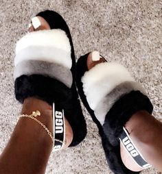 51 trendy birthday outfit for teens schools ugg boots Moda Sneakers, Sneakers Mode, Sneakers Fashion, Ugg Sandals, Ugg Shoes, Shoe Boots, Fluffy Shoes, Cute Slides, Aesthetic Shoes