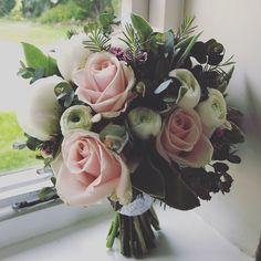 Sweet avalanche, peonies and spring flowers #juliecambridgefloraldesign #springwedding