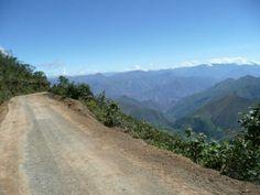 kuelap-celendin-cajamarca-road-in-peru
