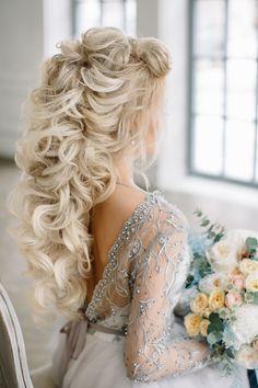 Vera / Wedding dress with sleeves / Low back / Boneless /
