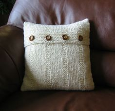 Love this knitted pillow. Similar to the ones selling at the Pottery Barn.
