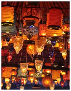 Turkish pendant lights at the bazaar. I have these in my kitchen. Bohemian Chic Decor, Bohemian Chic Fashion, Gypsy Decor, Turkish Lanterns, Turkish Lamps, Turkish Wedding, Floating Lanterns, Orange You Glad, Grand Bazaar