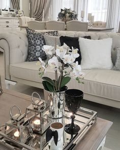 An motivation board filled with your favorite spaces, furnishings pieces, colors, and materials. Table Decor Living Room, Living Room Green, Home Living Room, Living Room Designs, Bedroom Decor, Home Decor Inspiration, Home Interior Design, Kaffe, Winter