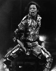 MJ<3 - Michael Jackson's Gold Pants Photo (34557228) - Fanpop