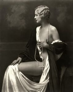 Ziegfeld Girl photographed by Alfred Cheney Johnston, 1920s