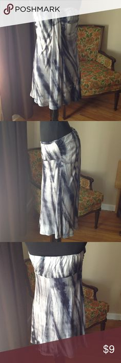 Swimsuit coverup or long top apt 9 Black tie dyed coverup or long top. It is by apt 9 and is a size large. I feel it fits more like a small or medium. In excellent ci diction. Just doesn't fit me anymore. So cute though Nd I sure wish it did Apt. 9 Swim Coverups