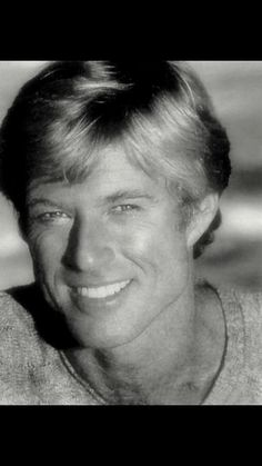 "robert redford -- saw him when he was up here in Los Alamos (NM) filming ""The Milagro Beanfield War."" He was looking all scruffy, but unmistakable. Hollywood Icons, Hollywood Stars, Classic Hollywood, Old Hollywood, Santa Monica, Gorgeous Men, Beautiful People, Beautiful Smile, Actrices Hollywood"