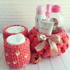 Crochet Box, Crochet Basket Pattern, Crochet Gifts, Knit Crochet, Crochet Patterns, Wedding Centerpieces Mason Jars, Cotton Cord, Manta Crochet, Crochet Home Decor