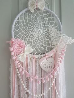 Bohemian Teepee Vintage Style Unicorn Heart Dream Catcher Pink, White Personalised Name Heart, Nursery Decor, Boho Nursery Babyshower Gift Doily Dream Catchers, Dream Catcher Mobile, Dream Catcher Art, Dreamcatchers, Dreamcatcher Crochet, Crochet Projects, Craft Projects, Diy And Crafts, Arts And Crafts