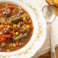 Kansas City Steak Soup--- we used ground sirloin and blended Worcestershire and steak sauces into the broth to give this soup recipe the essence of a steak dinner. Frozen veggies add lots of nutrients and make it a snap to prepare. Healthy Ground Beef, Ground Beef Recipes Easy, Steak Soup, Steak And Potato Soup, Hearty Soup Recipes, Ground Sirloin, Carne Picada, Soup And Sandwich, Clean Dinners
