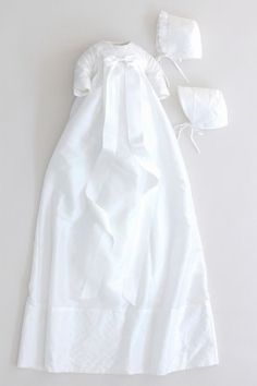 ⭐ Christening Gowns for Girls & Boys in Highest Quality at Best Prices Christening Gowns For Girls, Baby Boy Baptism Outfit, Baptism Gown, Christening Outfit, Baby Born Clothes, Ribbon Bows, Girls Dresses, White Dress, Elegant