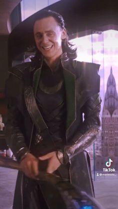 Loki Avengers, Marvel Avengers Movies, Loki Marvel, Marvel Jokes, Marvel Characters, Loki Wallpaper, Avengers Wallpaper, Loki Movie, Loki Funny