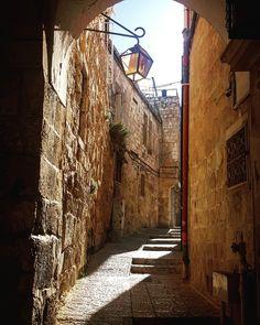 Authentic Jerusalem Tours / Photo by: Yana Milinevsky / 2021-05-03 13:28:10 Group Tours, Old City, Jerusalem, Places To Visit, Street, Old Town, Walkway