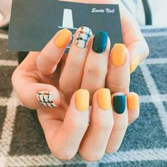 Semi-permanent varnish, false nails, patches: which manicure to choose? - My Nails Cute Summer Nail Designs, Cute Summer Nails, Spring Nail Art, Spring Nails, Nail Art Designs, Mode Statements, Manicure Colors, Nagel Gel, Perfect Nails
