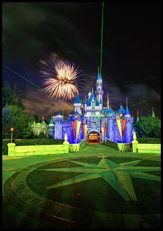 walt disney world, cinderella castle, full moon, magic Walt Disney, Disney Love, Disney Magic, Disney Parks, Disney Pixar, Disney Stuff, Disneyland Castle, Disneyland Resort, Disneyland Photos