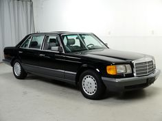 Bid for the chance to own a 1991 Mercedes-Benz at auction with Bring a Trailer, the home of the best vintage and classic cars online. Mercedes W126, Mercedes Benz Cars, Outdoor Survival Gear, Survival Tips, M Benz, Mercedes S Class, Cadillac Fleetwood, Classic Mercedes, Classic Motors