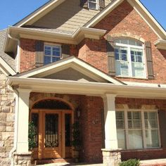 house exterior colors that go with orange brick Outdoor Paint Colors, Exterior Paint Colors For House, Paint Colors For Home, Exterior Colors, Exterior Design, Brick Design, Siding Colors, Paint Colours, Style At Home