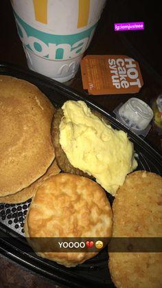 I Love Food, Good Food, Yummy Food, Snack Recipes, Dessert Recipes, Snacks, Mcdonalds Breakfast, Good Morning Breakfast, Snap Food