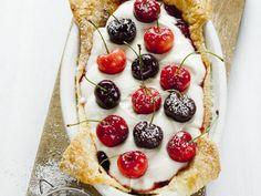 Kirschkuchen mit Mascarpone und Marmelade ist ein Rezept mit frischen Zutaten aus der Kategorie Kirschkuchen. Probieren Sie dieses und weitere Rezepte von EAT SMARTER!