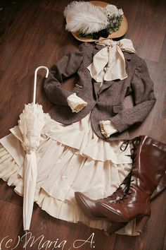 plastic-liqueur:  Victorian Maiden  HM  Could work for Steampunk, too^^