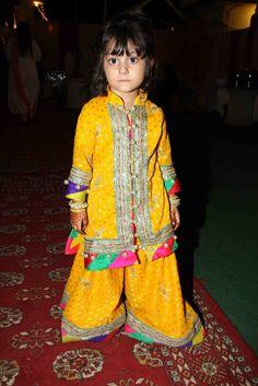Mehndi Dresses 2014 By Maria B In Pakistan Sharara by Nomi Ansari Images Photos Wallpapers : Mehndi Dresses For kids By Maria B In Pakistan Sharara by Nomi Ansari Images Photos Wallpapers